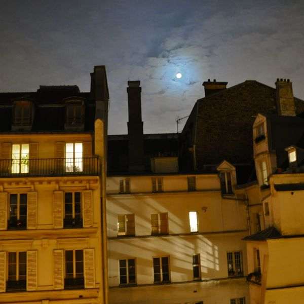 i can see paris in the moonlight